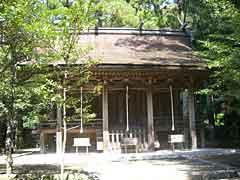 Hamanomiya Oji Shrine and Kumano Sansho Omiwayashiro Shrine