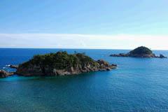 Riku-no-Kuroshima Island and Oki-no-Kuroshima Island